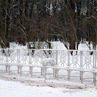 Зимние скамейки. :: Марина Харченкова