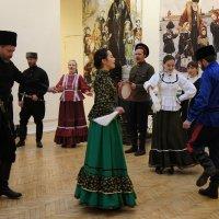 Выступление фольклорного коллектива Санкт-Петербурга :: Елена Павлова (Смолова)