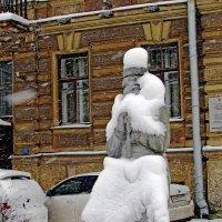 Дворник...уставший :: Ирина Румянцева