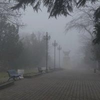 Матросский бульвар в тумане :: Игорь Кузьмин