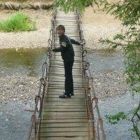 на висячем мостике :: людмила голубцова
