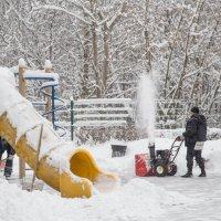 Уборка снега :: Александра