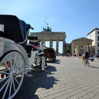 Бранденбургские ворота :: Иван Дронов