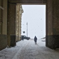 выходя с Зимней Канавки :: Елена