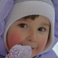 Девочка в Бутаковском ущелье :: Асылбек Айманов