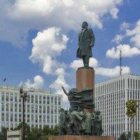 на Калужской площади :: Владимир Иванов