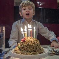 день рождения, желания.. :: Лариса Батурова