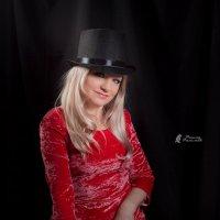 Девушка с апельсином :: Рашид Рахимов