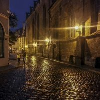 Дождливый вечер в Риге. :: Олег Кузовлев