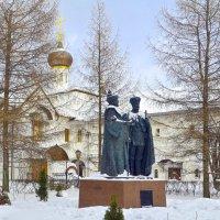 Памятник первому и последнему царю династии Романовых – Михаилу Федоровичу и Николаю Второму. :: Oleg4618 Шутченко