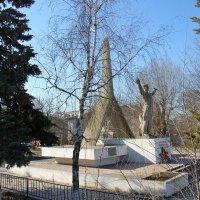 Памятник авиаторам. г Джанкой Крым. :: Леонид Дудко