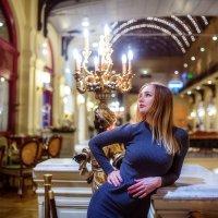 прогулка по ГУМу :: Александра Капылова