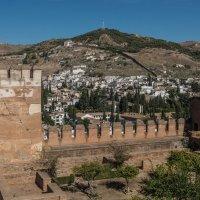 Вид на Алькайсин со стен Альгамбры :: Владимир Брагилевский