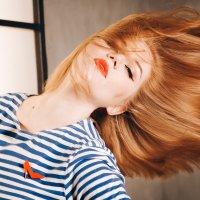 Красивая девушка на 23 февраля :: Стелла Гудз