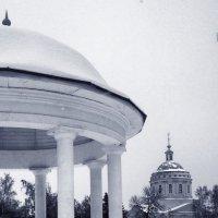 Вид на Успенскую Михаило-Архангельскую церковь в Орле :: Леонид Абросимов