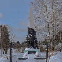 памятник морякам -балтийцам в д.В Исады. :: petyxov петухов