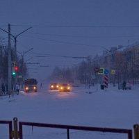 В снегопад, в  снегопад... :: Михаил Полыгалов
