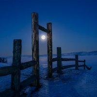 Луна в гости.. :: Slava Sh