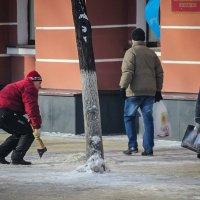 кольщик льда :: Сергей Вититнев