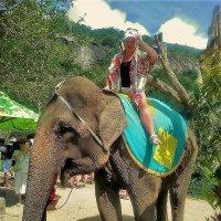 Марина и слоник... :: Sergey Gordoff