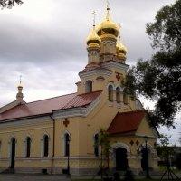 Церковь в усадьбе :: Svetlana Lyaxovich