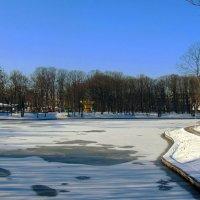 Ледяное озеро :: Сергей Карачин