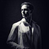 Классический Портрет молодого Мужчины :: Дмитрий Кудрявцев
