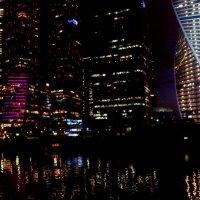 Огни большого города :: Людмила