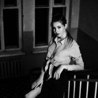 В полумраке :: Женя Рыжов
