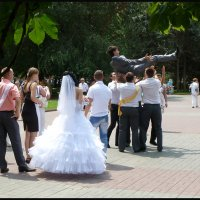 СЧАСТЬЯ  МНОГО  НЕ  БЫВАЕТ!  (Свадебные сюжеты) :: Юрий ГУКОВЪ