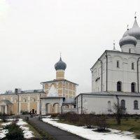 Спасо - преображенский Варлаамо - хутынский женский монастырь :: Иван Клещин