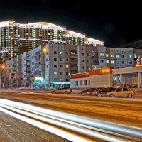 Улицы вечернего города... :: Олег Петрушов