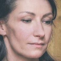 Случайный женский портрет (фрагмент) :: Сергей В. Комаров