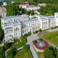 Ливадийский дворец. :: Павел © Смирнов