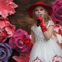 Песенка Красной шапочки :: Сергей Михальченко