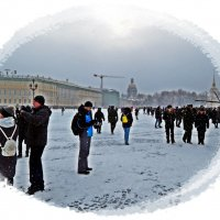 В Петербурге на Дворцовой идет снег. :: Виктор Егорович