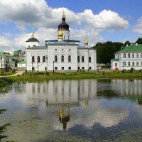 Монастырский пруд :: Vlad Сергиевич