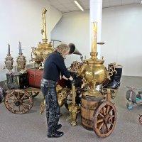 Первые авто туристы без самовара не могли  обойтись! :: Виталий Селиванов