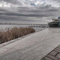 Урбанизированная река. :: Андрий Майковский