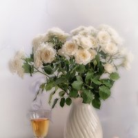 С розами и вином. :: Лилия *