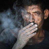 Рабочий. Индия... :: Alexey Terentyev
