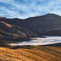 Как-то утром в горах... :: Александр К.