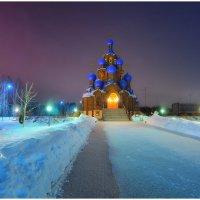 Прошёл молебен, ночь пришла... Погасли свечи, до утра.... :: Антон Сологубов