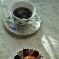 Утренний кофе с пирожным :: Нина Корешкова