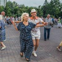 Танцы-в-сквере_ :: Nn semonov_nn