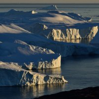 псевдо-закат в полночи на айсбергах :: Георгий