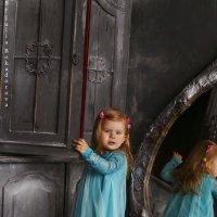 Алиса в зазеркалье :: Юлия Бокадорова