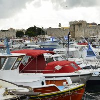 Порт с яхтами и рыбацкими лодками :: Svetlana Erashchenkova