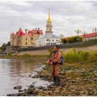 Городской рыбак. :: Maxim Semenov
