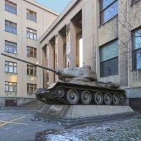 танк T34-85 у музея  Армии.в Праге :: ИРЭН@ .